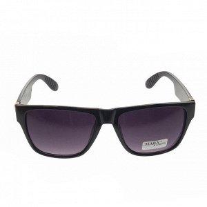 Стильные мужские очки Alef в чёрной оправе с затемнёнными линзами.