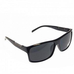 Стильные мужские очки Taron чёрного цвета с чёрными линзами.