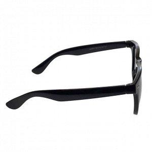 Стильные мужские очки Vogue чёрного цвета.
