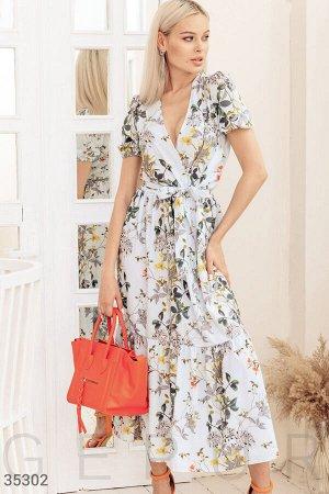 Голубое платье на запах с цветочным принтом