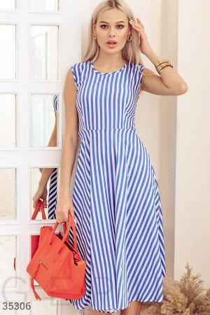 Бело-синее полосатое платье