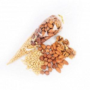 Ореховое ассорти: кедровый орех, фундук, миндаль, грецкий орех 150 гр.