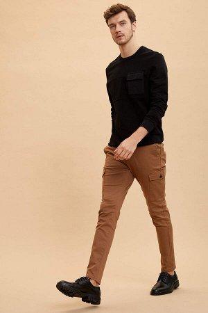 брюки Размеры модели: рост: 1,89 грудь: 100 талия: 81 бедра: 97 Надет размер: размер 32 - рост 32  Хлопок 97%,Elastan 3%