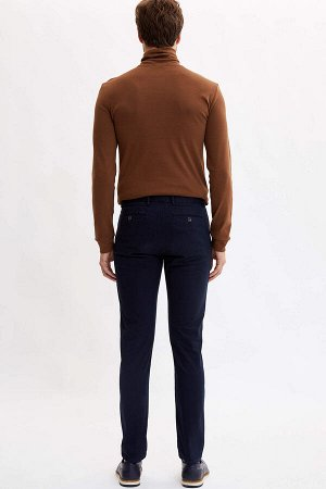 брюки Размеры модели: рост: 1,89 грудь: 99 талия: 75 бедра: 99 Надет размер: размер 32 - рост 30 Elastan 2%, Хлопок 98%