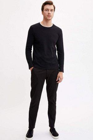 брюки Размеры модели: рост: 1,89 грудь: 98 талия: 80 бедра: 95 Надет размер: размер 32 - рост 32  Вискоз 0%, Полиэстер 18%,Elastan 3%, Хлопок 79%