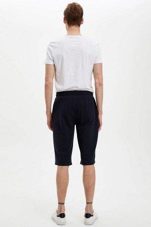 шорты Размеры модели: рост: 1,88 грудь: 98 талия: 82 бедра: 95 Надет размер: M  Хлопок 70%, Полиэстер 30%