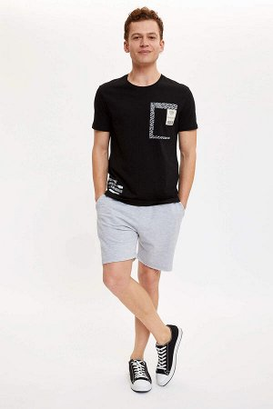шорты Размеры модели: рост: 1,85 грудь: 98 талия: 78 бедра: 83 Надет размер: M  Полиэстер 50%, Хлопок 50%