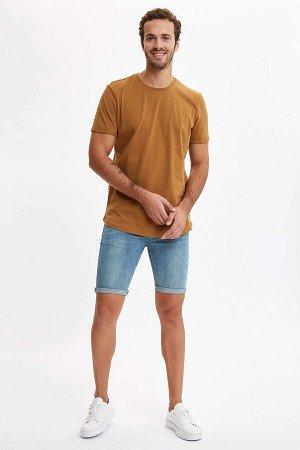 шорты Размеры модели: рост: 1,9 грудь: 97 талия: 81 бедра: 95 Надет размер: 32 Elastan 1%, Хлопок 99%