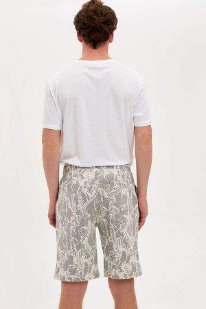 шорты Размеры модели: грудь: 96 талия: 77 бедра: 94 Надет размер: M  Вискоз 15%, Хлопок 33%, Полиэстер 52%
