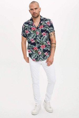 рубашка Размеры модели: рост: 1,82 грудь: 98 талия: 81 бедра: 96 Надет размер: M  Вискоз 100%