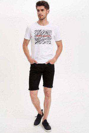 шорты Размеры модели: рост: 1,83 грудь: 98 талия: 82 бедра: 96 Надет размер: 34 Elastan 2%, Хлопок 98%
