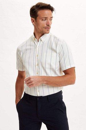 рубашка Размеры модели: рост: 1,89 грудь: 100 талия: 81 бедра: 97 Надет размер: M  Хлопок 100%