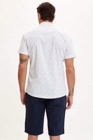 рубашка Размеры модели: рост: 1,89 грудь: 100 талия: 81 бедра: 97 Надет размер: L  Хлопок 50%, Полиэстер 47%,Elastan 3%