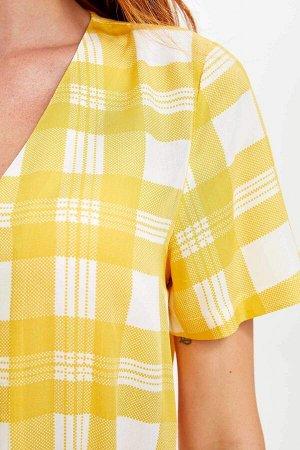 Клетчатая рубашка с деревянными пуговицами