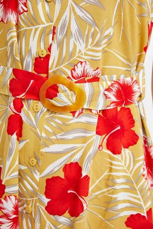 Платья Размеры модели: рост: 1,78 грудь: 85 талия: 60 бедра: 90 Надет размер: 36 Вискоз 90%,Полиэстер 10%