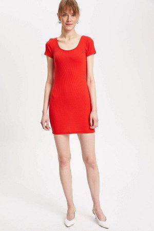 Красненькое платьице