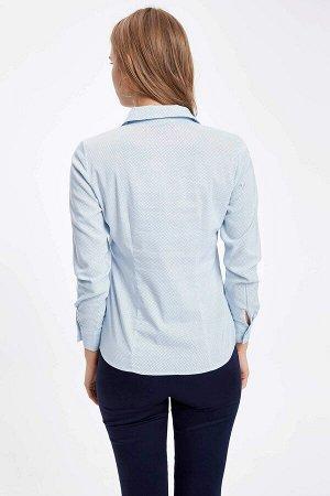 Голубая рубашка в точечку