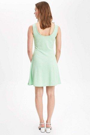 Платье летнее светло-зеленое