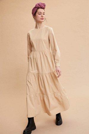 Платье бежевое с длинным рукавом