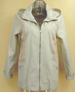 Парка Куртка-парка с воротником-стойка и длинными рукавами, центральная застежка на молнию. Съемный капюшон. По бокам трикотажные вставки,  карманы. Материал: хлопок-стрейч. В размере M(44/46) длина п