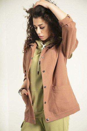 Куртка Куртка Samnari Л-24 коричневый  Состав ткани: ПЭ-26%; Хлопок-72%; Эластан-2%;  Рост: 170 см.  Куртка в стиле oversize, длиной бедер, с застежкой на кнопки. Куртка с кокетками по спинке и по пе