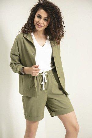 Куртка Куртка Samnari Л-45 зелень  Состав ткани: ПЭ-26%; Хлопок-72%; Эластан-2%;  Рост: 170 см.  Куртка в стиле oversize, укороченная, длиной выше бедер, с застежкой на кнопки. Куртка с подрезом чуть