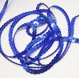 Пайетки на нитке. Синий голографик.