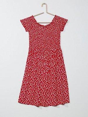 Платье со сборками и рисунком
