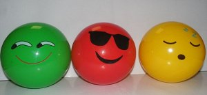 Мяч Мячик резиновый  Цвета в ассортименте.  Диаметр 23см  Материал резина