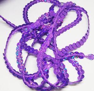 Пайетки на нитке. Фиолетовый голографик.