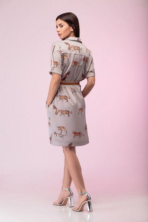 Платье Платье Liberta 524  Состав: Вискоза-58%; ПЭ-38%; Эластан-4%; Сезон: Весна-Лето Рост: 164  Платье - рубаха прямого, свободного покроя, на пуговицах спереди по всей длине изделия. Рукав втачной