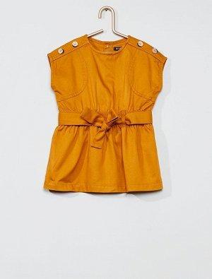 Платье с завязывающимся поясом