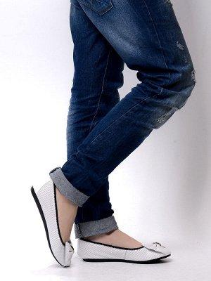 Балетки Страна производитель: Китай Тип носка: Закрытый Цвет: Белый Размер женской обуви x: 35 Каблук/Подошва: Плоская подошва Сезон: Лето Перфорация: да Стиль: Повседневный Материал верха: Натуральна