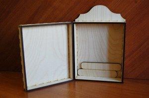 Ключница Ключница, (продается в разобранном виде в палетках), не комплектуется фурнитурой, габарит в собранном виде 29*19*8 см, внутренний размер основного ящика 18*22*4,5 см, внутренний размер дверцы