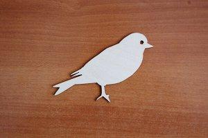 Птичка Птичка (продается в палетках), размеры 15*6 см, материал: фанера 3 мм.   Заготовка продается в палетках. Для сохранности при транспортировке детали на палетках не прорезаны до конца. Не выламыв