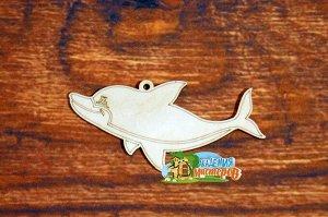 Дельфин Дельфин, (продается в палетках), размер 13*6,5 см, материал фанера 3 мм.   Это изделие может быть использовано как новогоднее украшение на елку.  Заготовка выполнена из влагостойкой фанеры тол