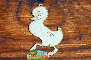 Утенок Утенок, (продается в палетках), размер 13*8 см, материал фанера 3 мм.   Это изделие может быть использовано как новогоднее украшение на елку.  Заготовка выполнена из влагостойкой фанеры толщино