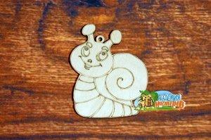 Улитка Улитка, (продается в палетках), размер 10*8 см, материал фанера 3 мм.   Это изделие может быть использовано как новогоднее украшение на елку.  Заготовка выполнена из влагостойкой фанеры толщино