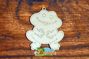 Лягушка Лягушка, (продается в палетках), размер 11*9 см, материал фанера 3 мм.   Это изделие может быть использовано как новогоднее украшение на елку.  Заготовка выполнена из влагостойкой фанеры толщи