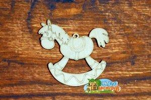 Лошадка Лошадка, (продается в палетках), размер 10*10 см, материал фанера 3 мм.   Это изделие может быть использовано как новогоднее украшение на елку.  Заготовка выполнена из влагостойкой фанеры толщ