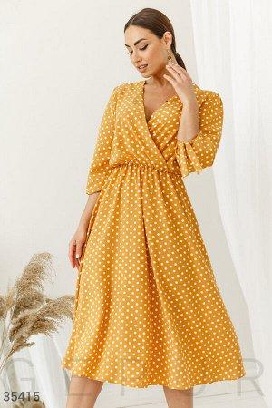 Платье в горошек с запахом