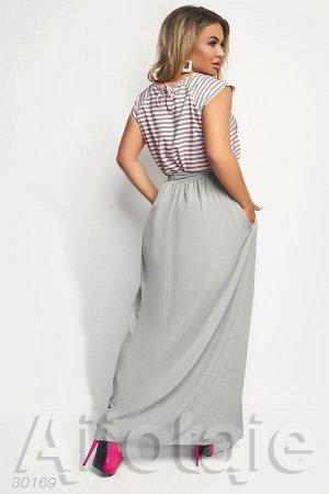 Платье в пол с светло-серой юбочкой