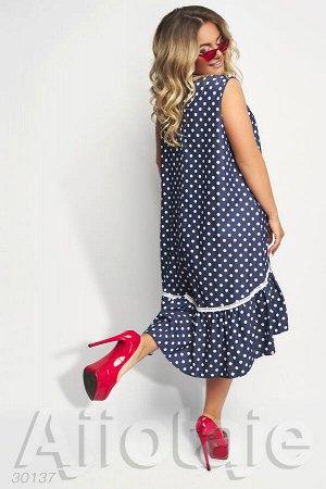 Темно-синее платье в горошек с асимметрией