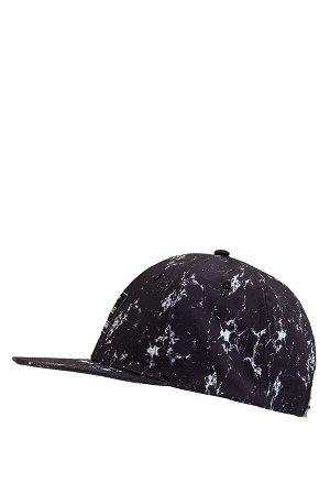 шапка Размеры модели: рост: 1,87 грудь: 77 талия: 95 бедра: 93 Надет размер: STD  Полиэстер 100%