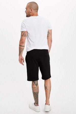 шорты Размеры модели: рост: 1,82 грудь: 98 талия: 81 бедра: 96 Надет размер: M  Хлопок 100%