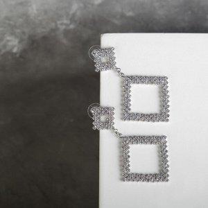 """Серьги со стразами """"Селебрити"""" висячие треугольники, цвет белый в серебре"""