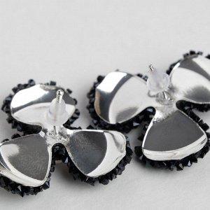 """Серьги со стразами  """"Цветочки"""" шанталь, цвет чёрный в серебре"""