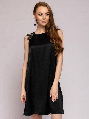 Платье черное длины мини с кружевными вставками