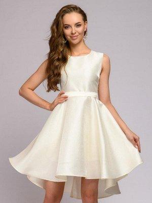 Платье ванильного цвета с пышной юбкой без рукавов