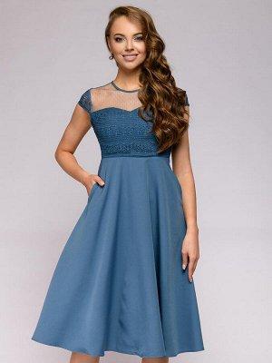 Платье синее длины миди с кружевной отделкой без рукавов
